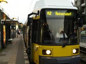 Mit der Straßenbahn über die Prenzlauer Promenade