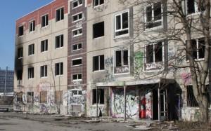 Ungesicherte Ruine auf dem ehemaligen Güterbahnhof