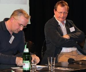 Zwischen den Stühlen: Jens-Holger Kirchner (rechts)