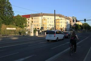 Senatsplan: Breite Autobrücke über die Berliber Straße